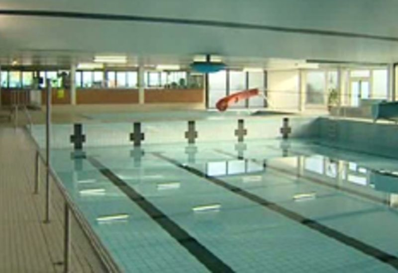 Courcelles: transformation de l'ancienne piscine en padel
